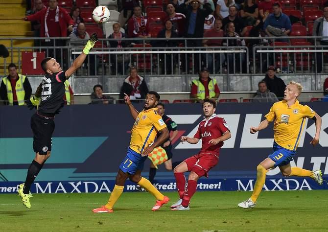 Pariert Gikiewicz wieder? Unser Tipp: Braunschweig gewinnt gegen Kaiserslautern
