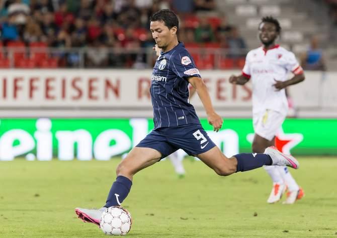 Amine Chermiti schießt für FC Zürich aufs Tor