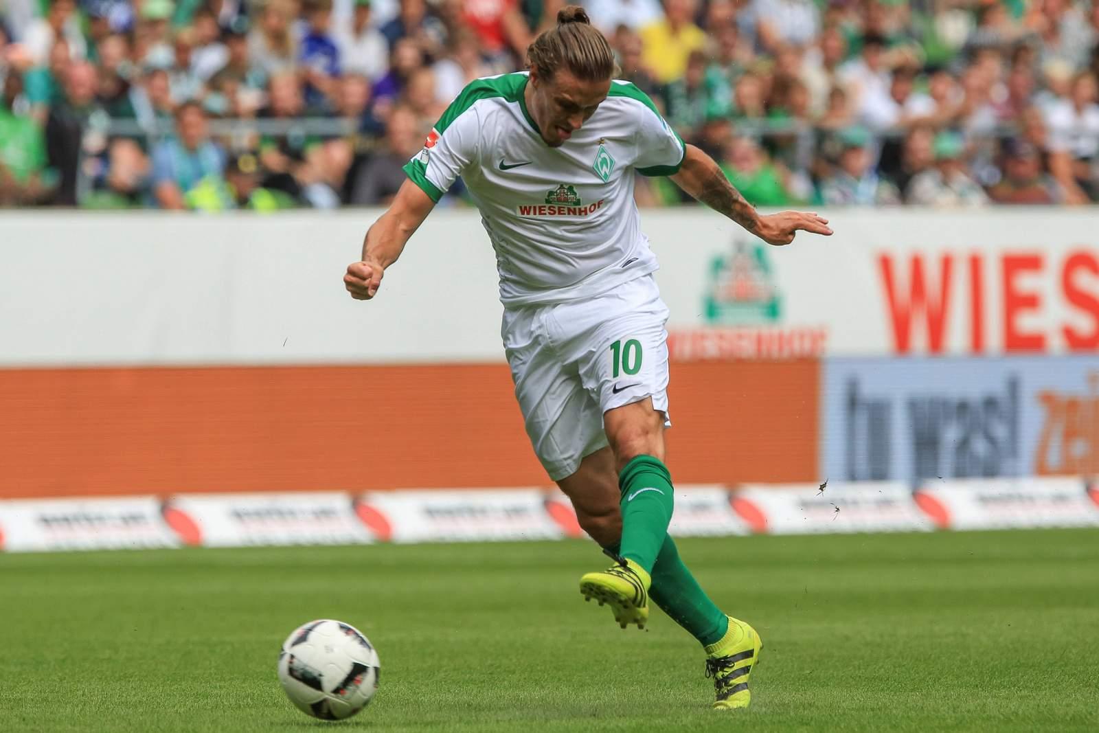Max Kruse zieht ab. Jetzt auf Werder Bremen gegen BVB Dortmund wetten!