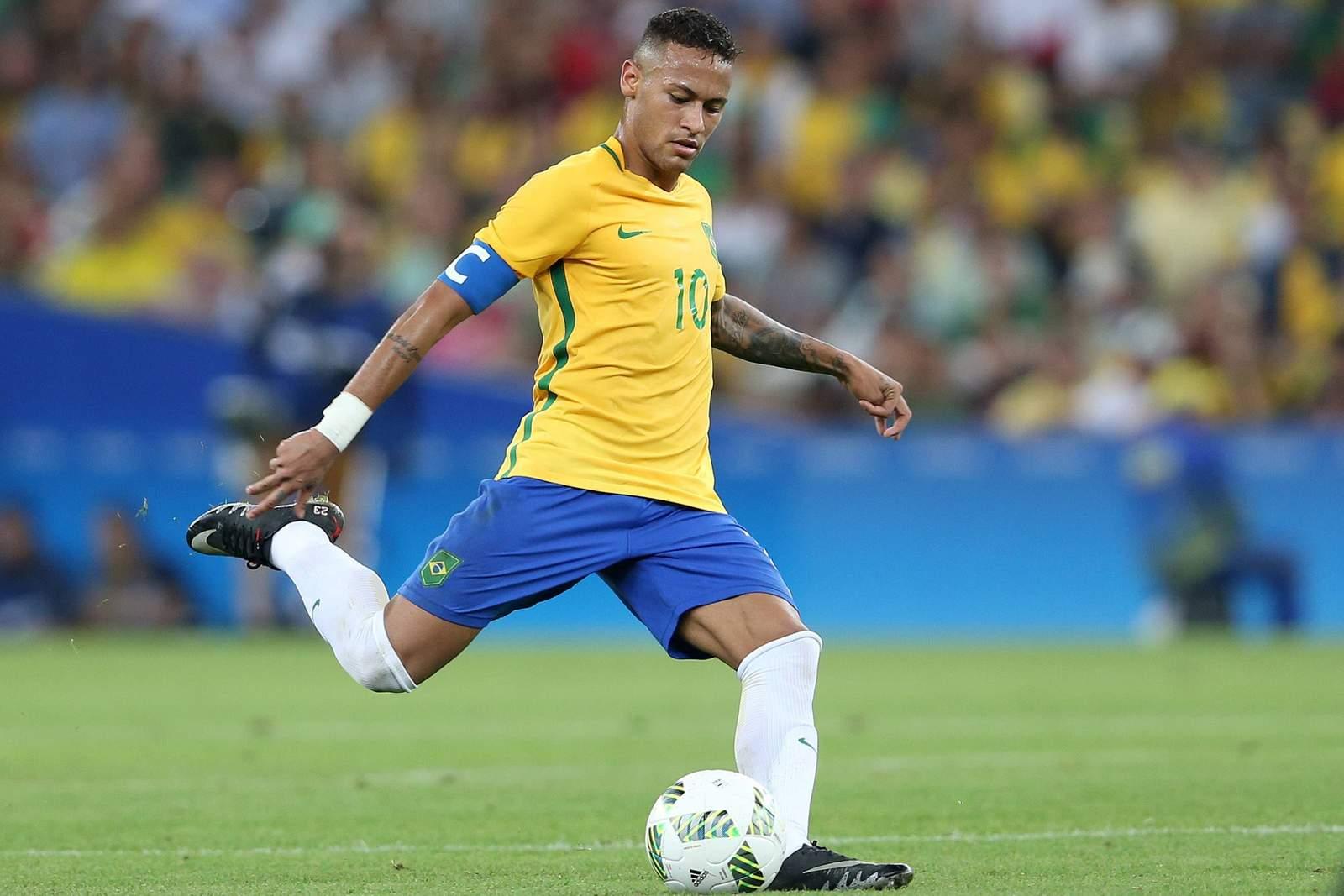 Neymar beim Torschuss
