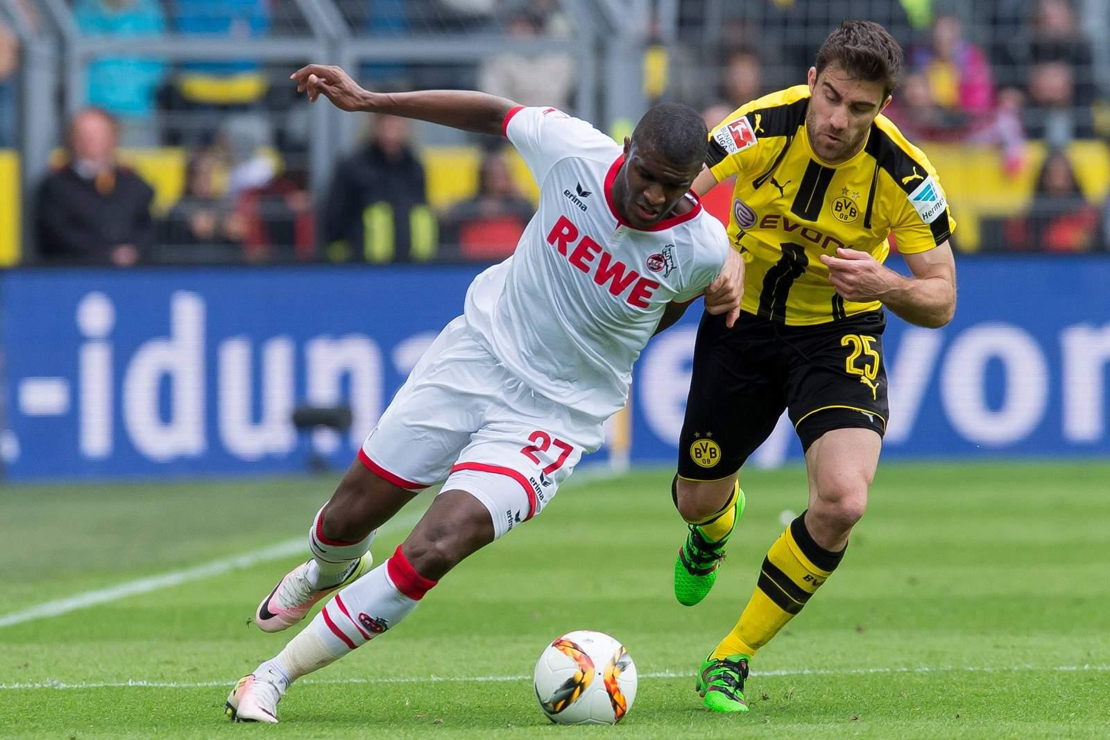 Anthony Modeste im Zweikamp mit Dortmunds Sokratis