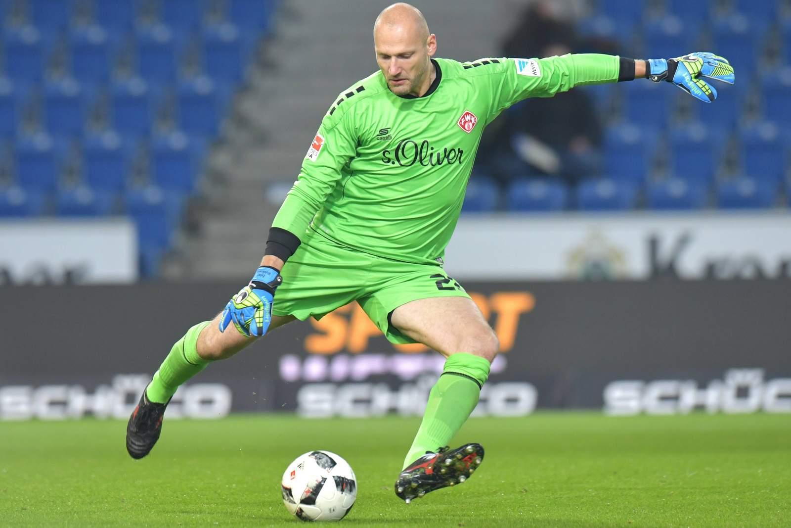 Trifft Wulnikowski wieder den Ball? Jetzt auf Würzburger Kickers gegen Greuther Fürth wetten