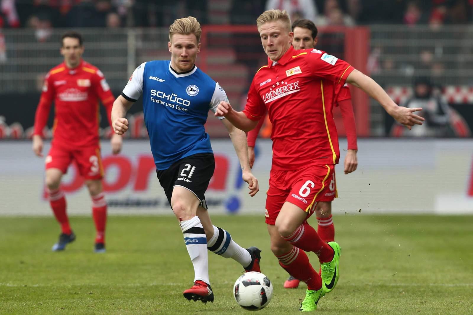 Andreas Voglsammer im Duell mit Kristian Pedersen.