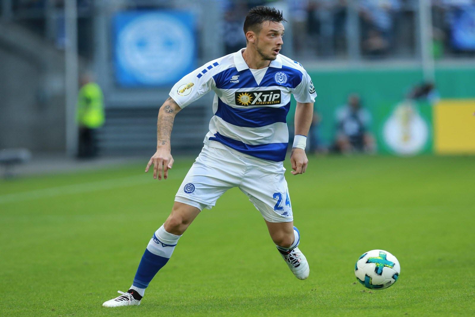 Boris Tashchy am Ball für den MSV Duisburg