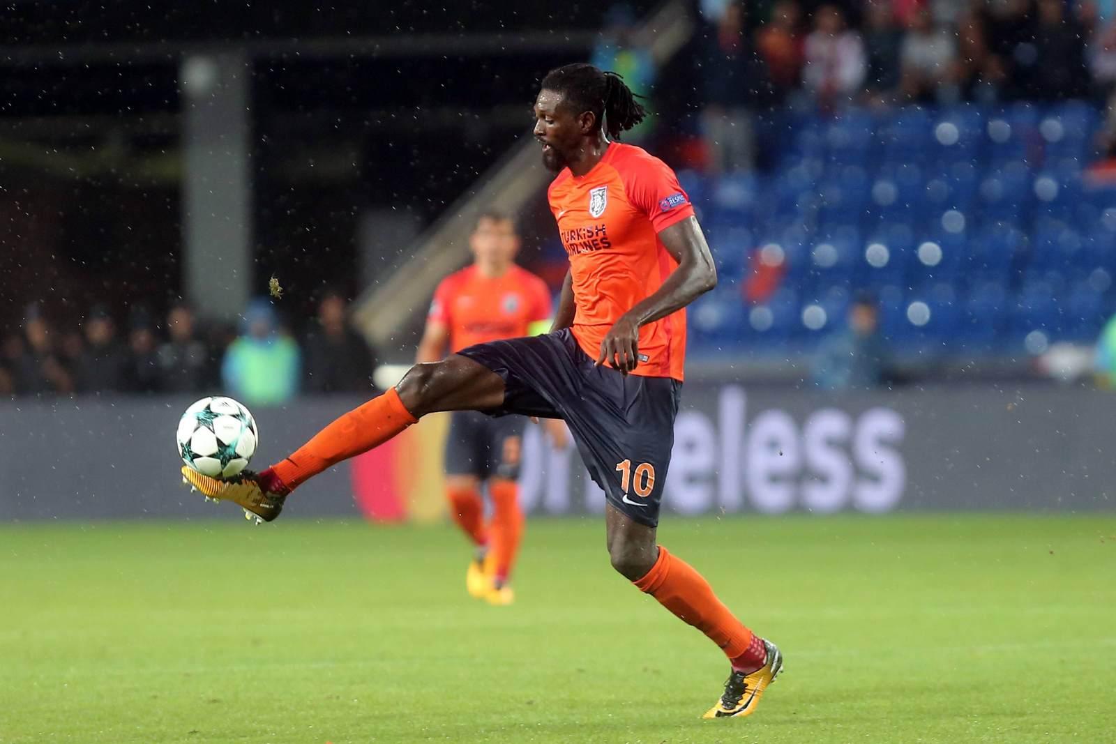 Emmanuel Adebayer führt den Ball. Wer gewinnt das Duell Basaksehir gegen Rasgrad. Jetzt wetten