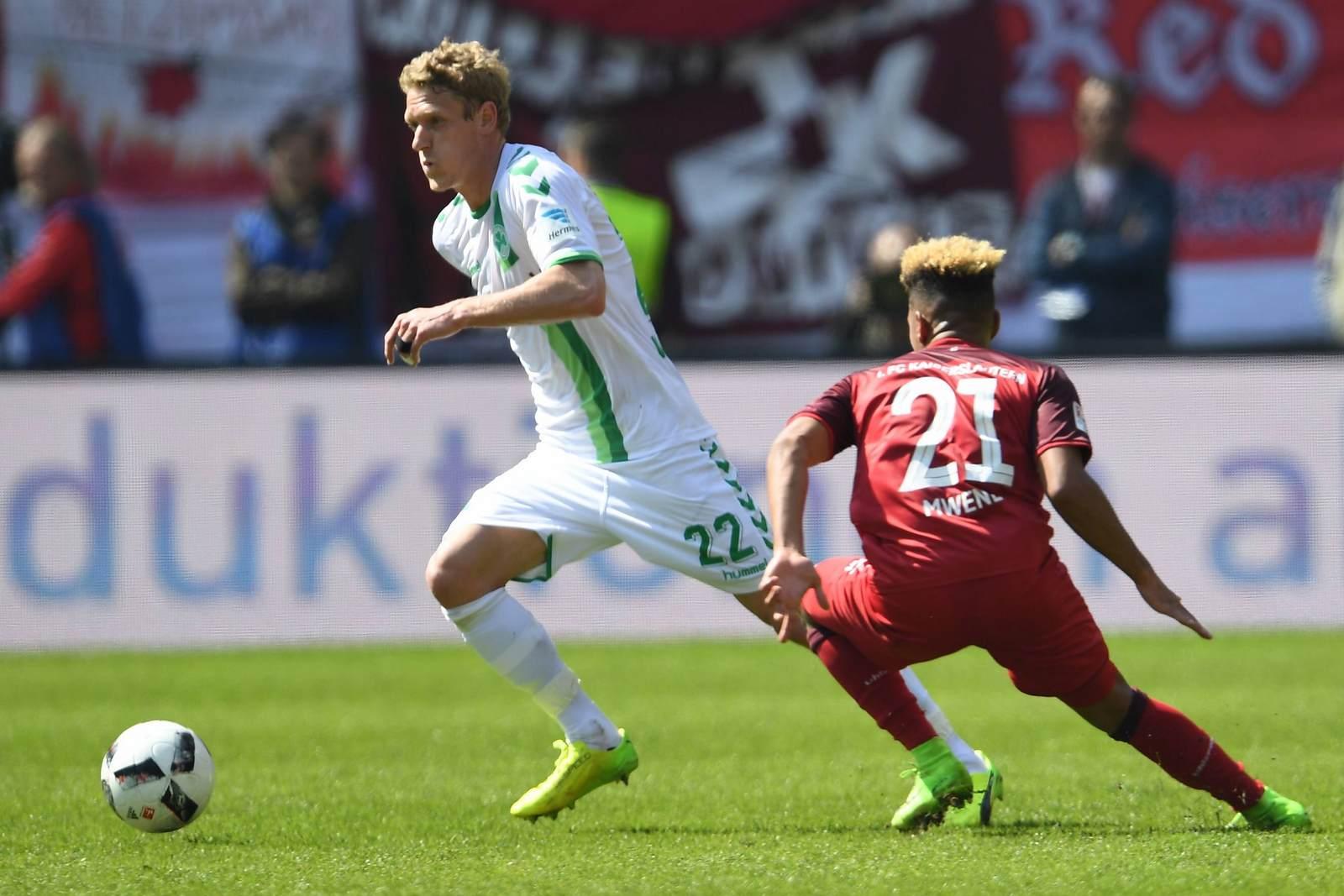 Johannes van den Bergh im Trikot von Greuther Fürth. Jetzt ist der van den Bergh Wechsel nach Kiel perfekt.