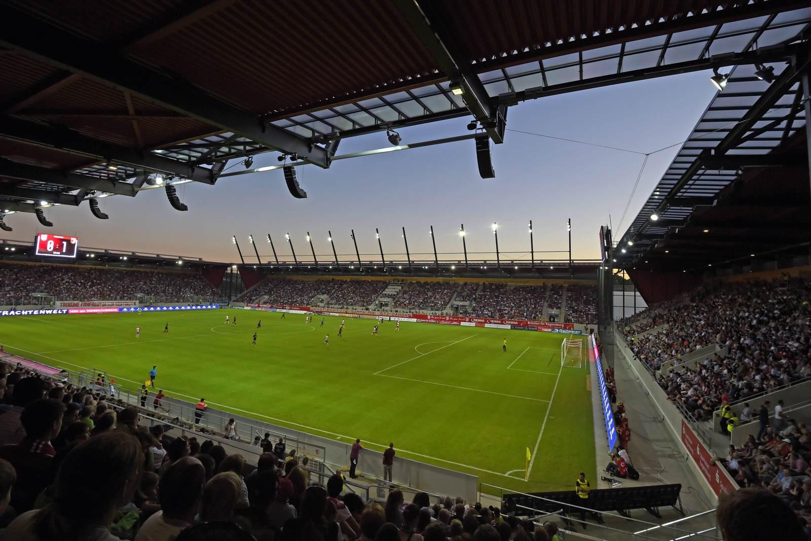 Das Stadion von Jahn Regensburg, die Continental Arena