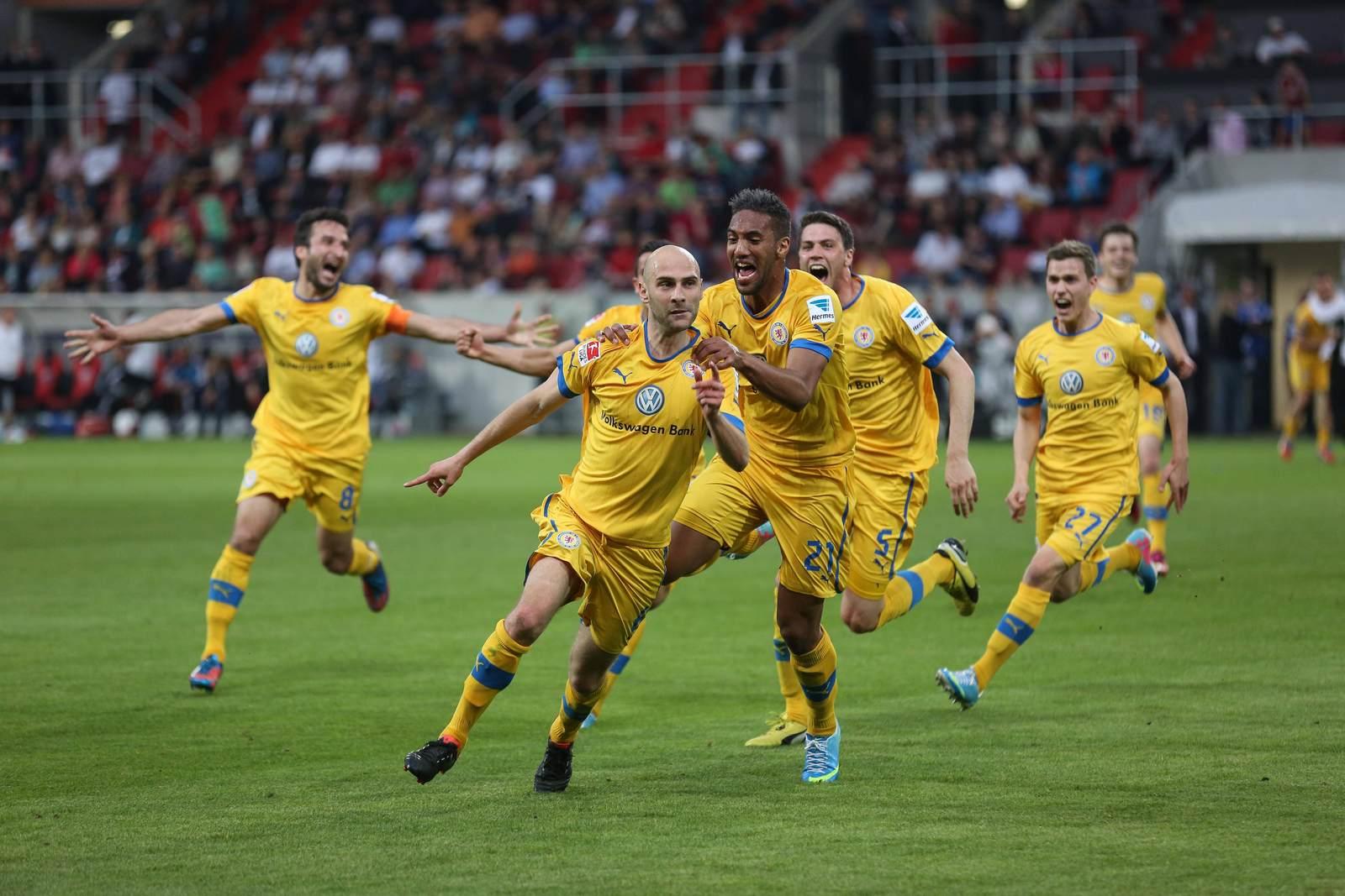 Damir Vrancic jubelt nach seinem Treffer zum 1:0 gegen Ingolstadt