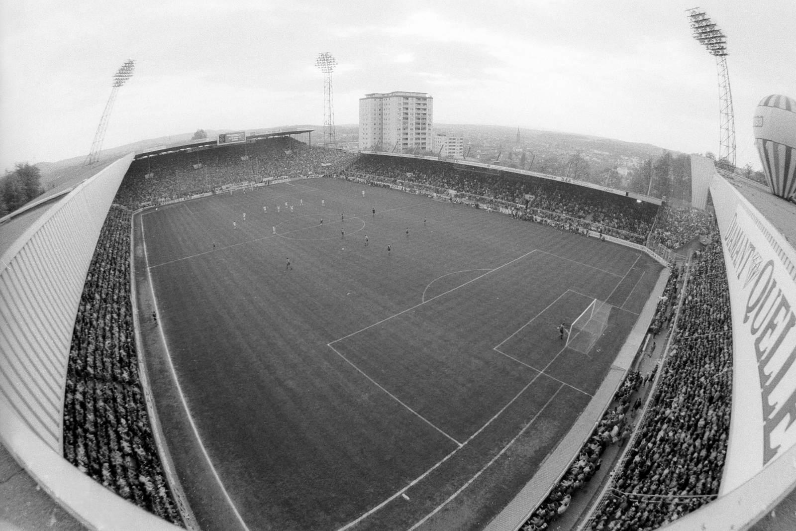 Alte Ansicht des Fritz-Walter-Stadions auf dem Betzenberg