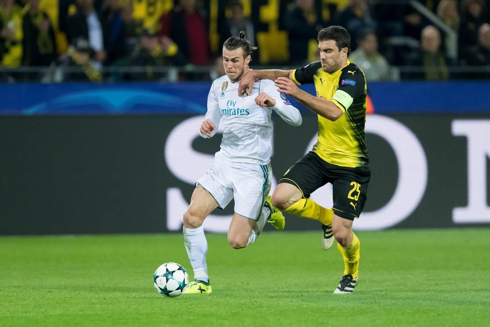 Gareth Bale im Duell mit Sokratis. Jetzt auf die Partie Real gegen BVB wetten