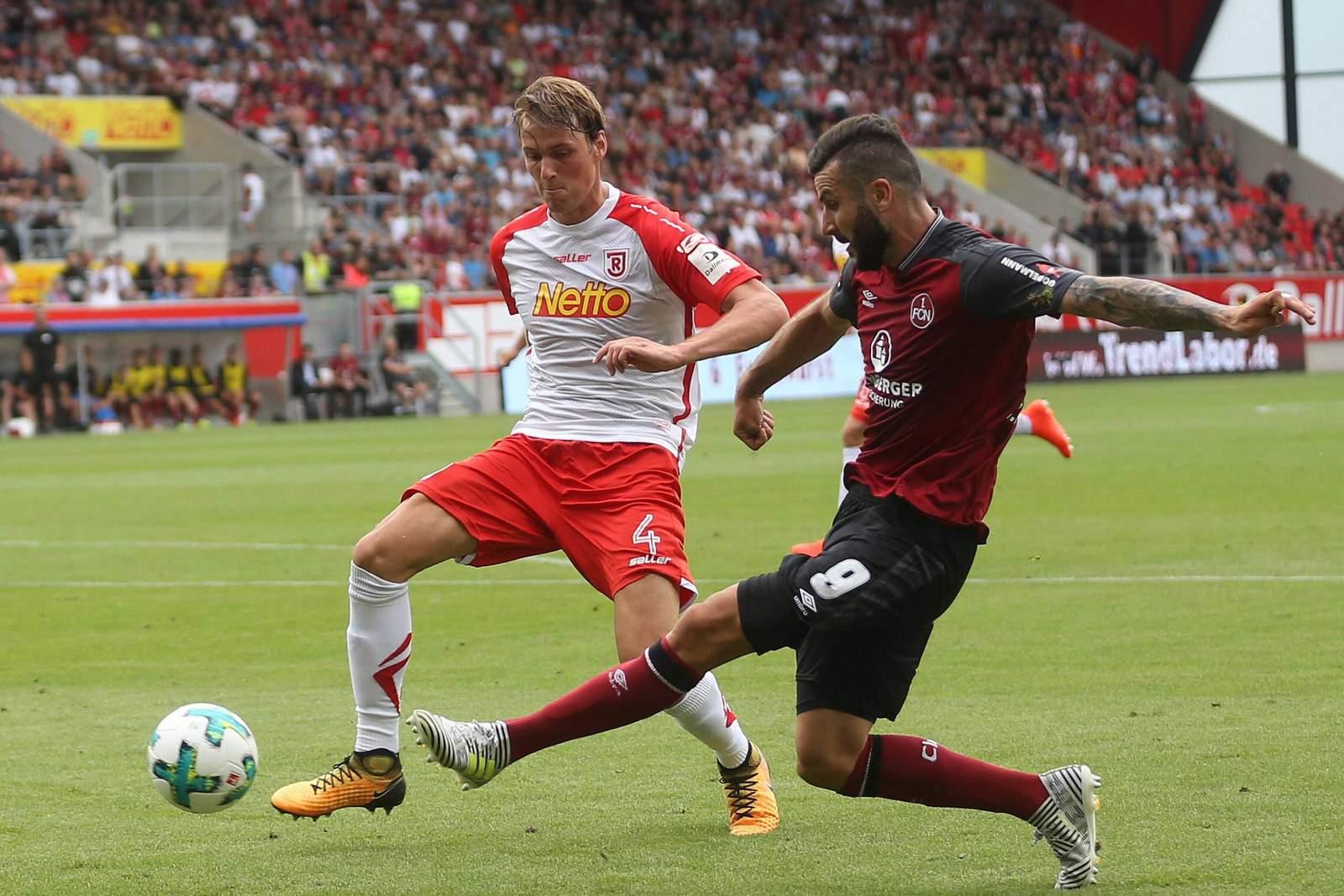 Setzt sich Ishak gegen Sörensen durch? Jetzt auf Nürnberg gegen Jahn Regensburg wetten.