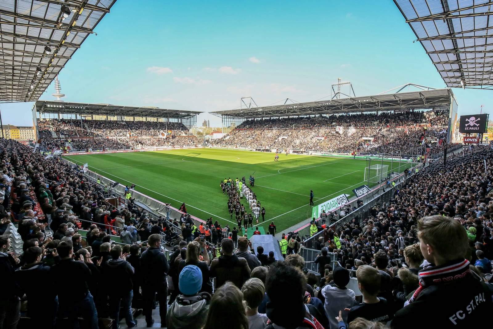 Der FC St. Pauli ist auf dem Kiez zu Hause. Das Millerntor-Stadion ist ein echter Zuschauermagnet.