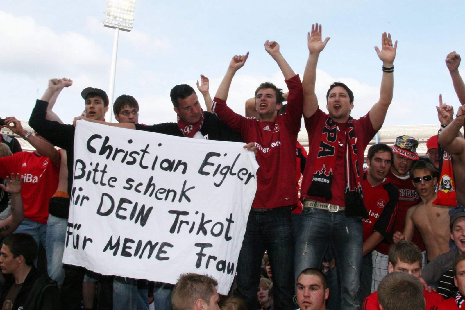 Nürnberg-Fans feiern bei Aufstieg Christian Eigler