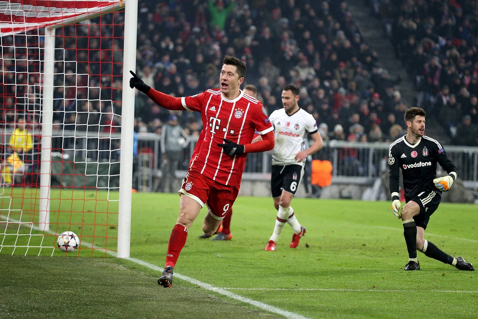 Jubelt Lewandowski wieder? Jetzt auf Besiktas vs Bayern wetten