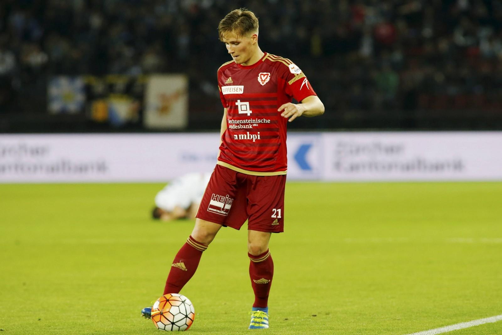 Axel Borgmann am Ball für den FC Vaduz.