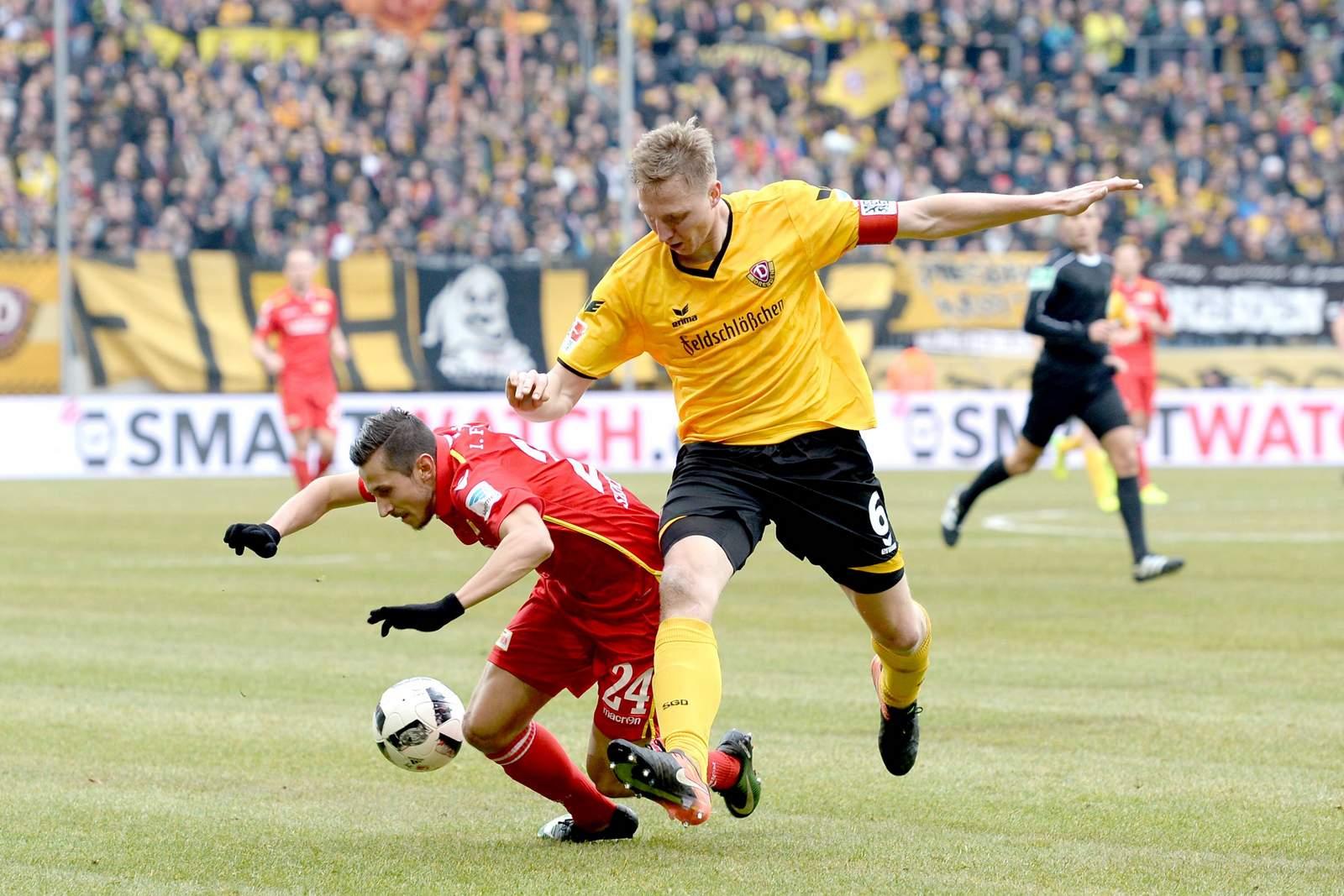Marco Hartmann Bringt Steven Skrzybski Zu Fall Jetzt Auf Dresden Gegen Union Wetten