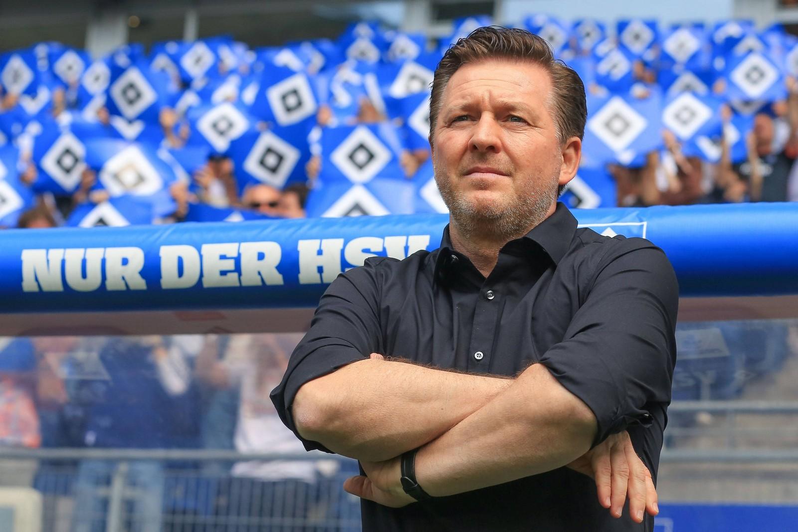 Christian Titz auf der Trainerbank des HSV