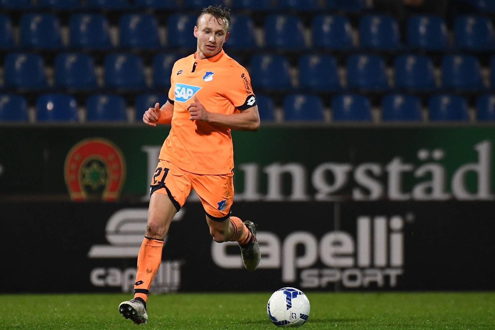 Jannik Dehm am Ball in der Regionalliga Südwest