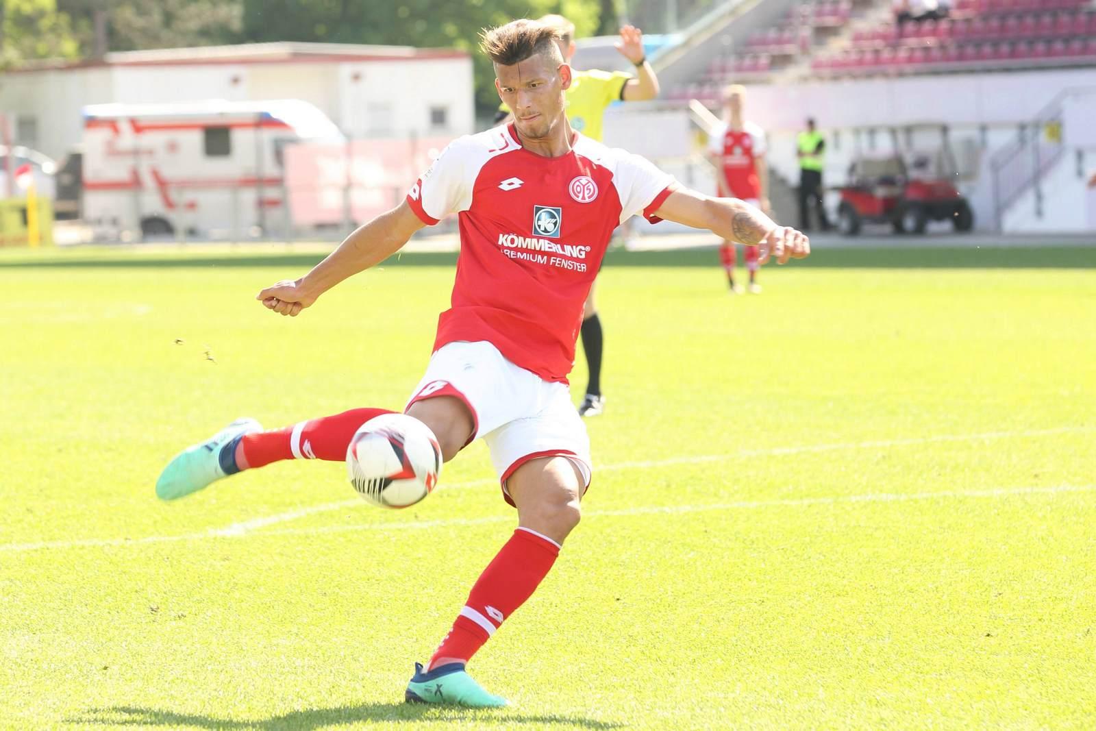 Heinz Mörschel am Ball für den FSV Mainz 05