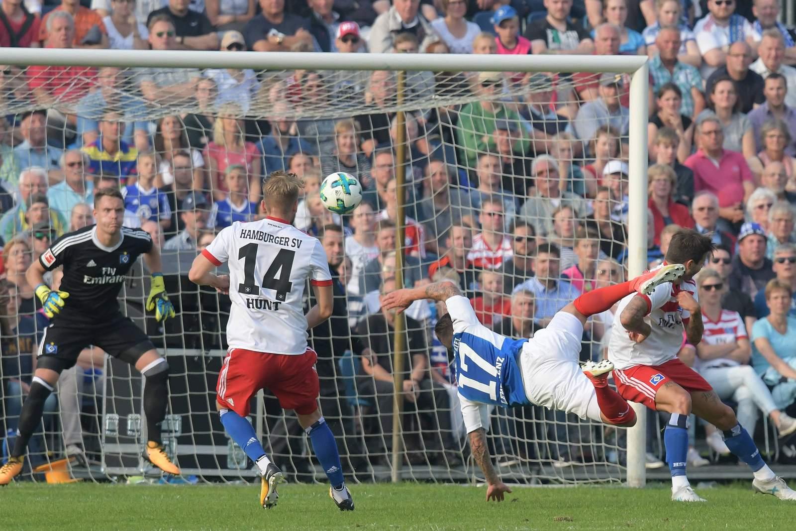 Trifft Lewerenz wieder gegen Hamburg? Jetzt auf HSV gegen Kiel wetten