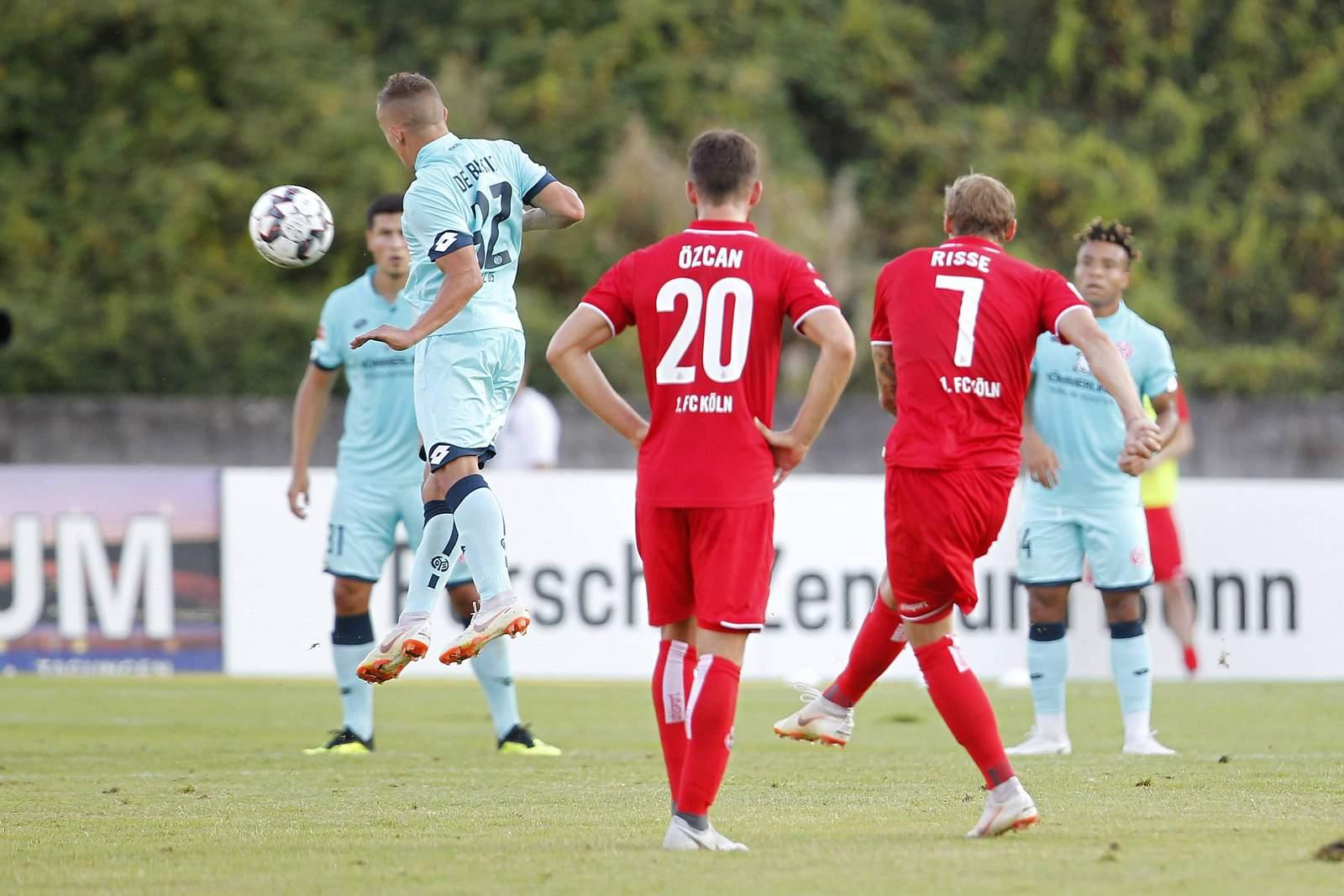 Marcel Risse mit Freistoßtor beim Spiel gegen Mainz