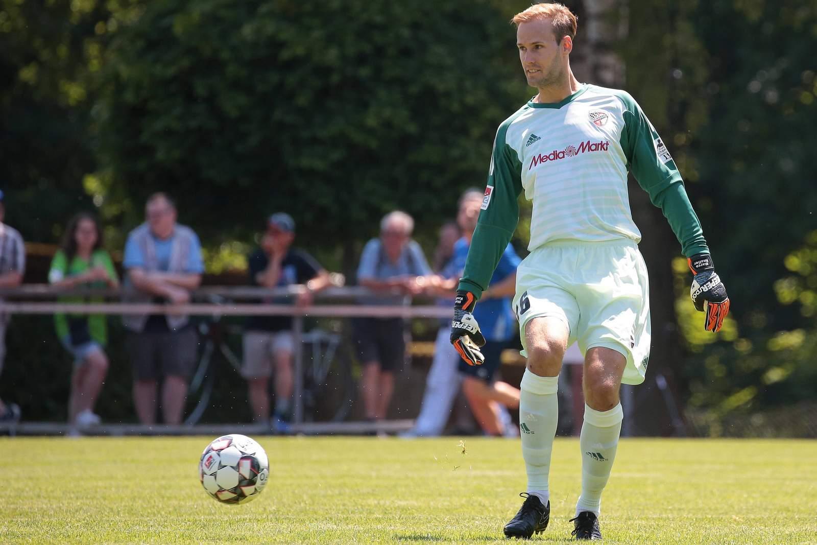 Marco Knaller vom FC Ingolstadt in einem Testspiel