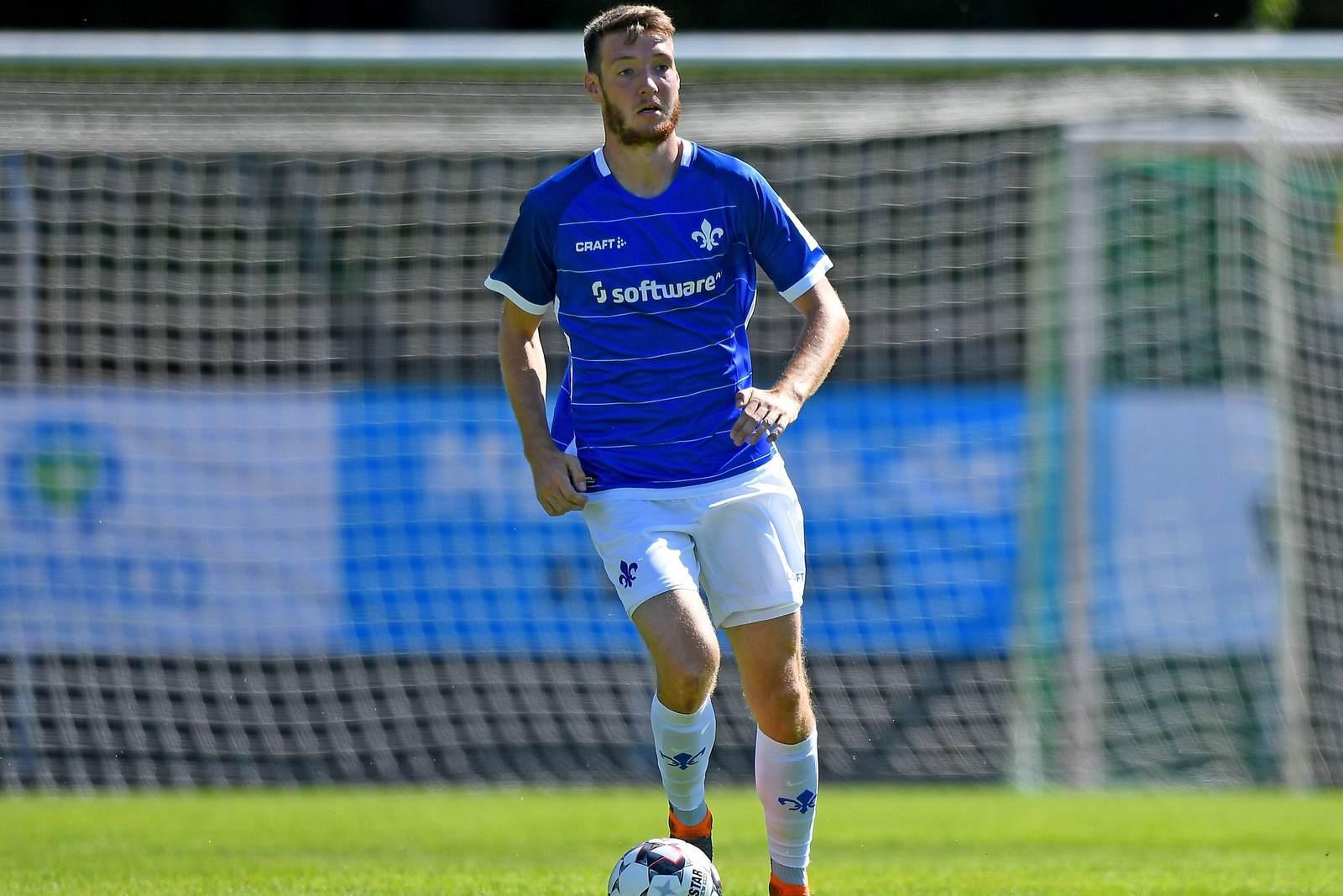 Patrick Banggaard am Ball für den SV Darmstadt