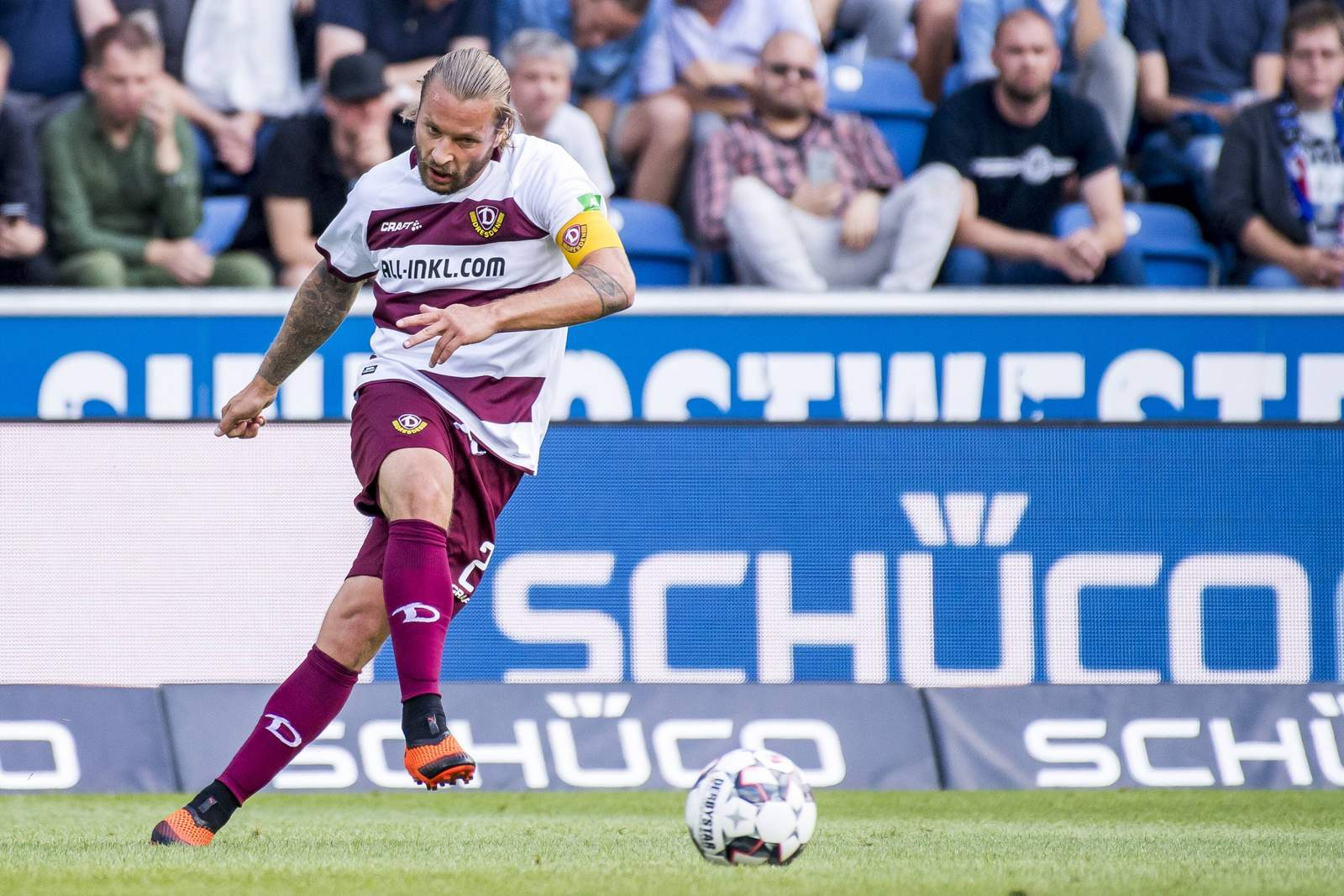 Kai Ebert und Dynamo Dresden unterlagen dem Hallescher FC mit 1:4.