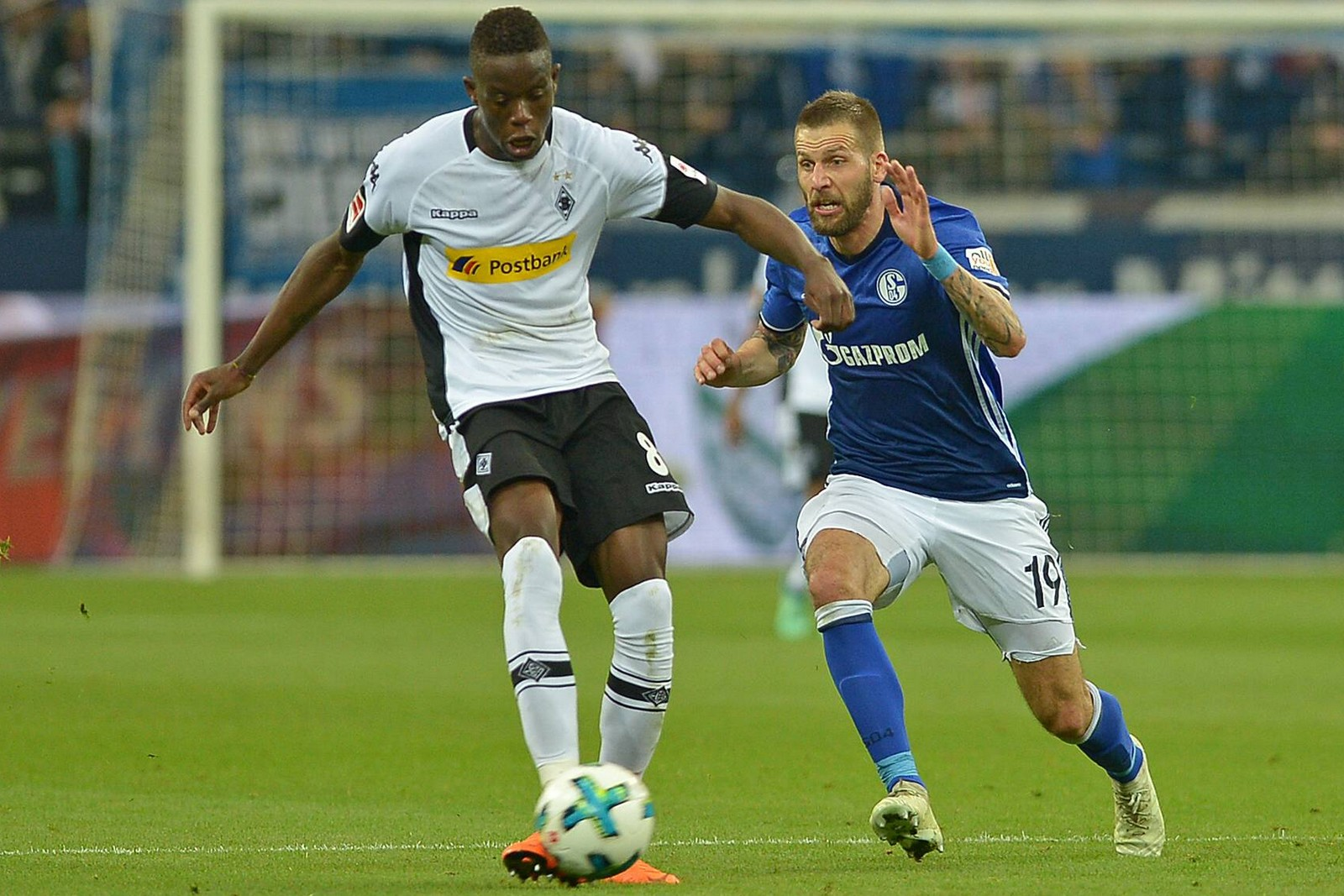 Setzt sich Zakaria gegen Burgstaller durch? Jetzt auf Gladbach gegen Schalke wetten