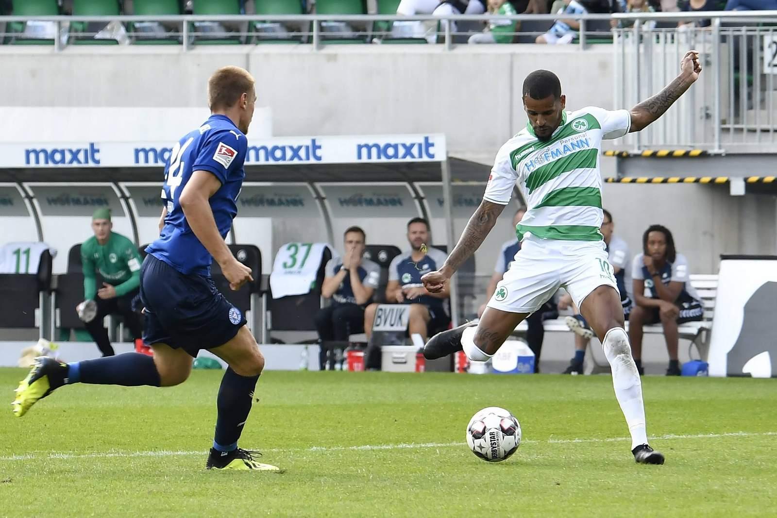 Daniel Keita-Ruel trifft für Fürth gegen Kiel