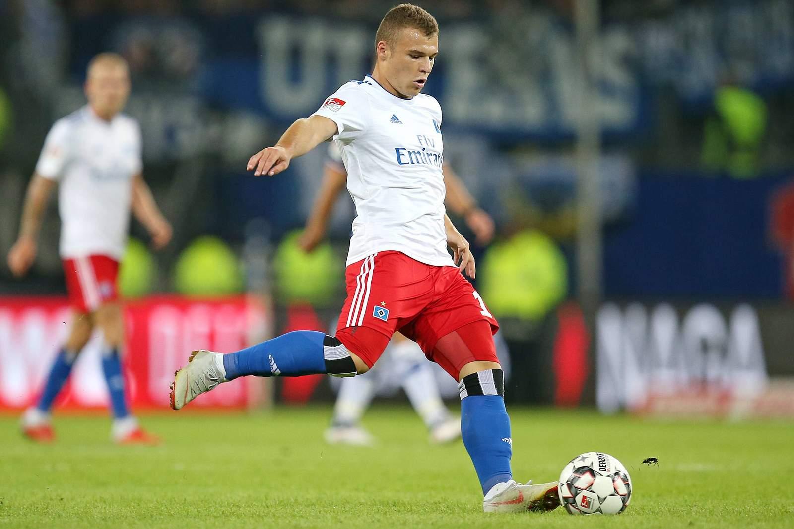 Darf Vasilije Janjicic auch gegen den Jahn von Beginn an ran? Jetzt auf HSV gegen Regensburg wetten.