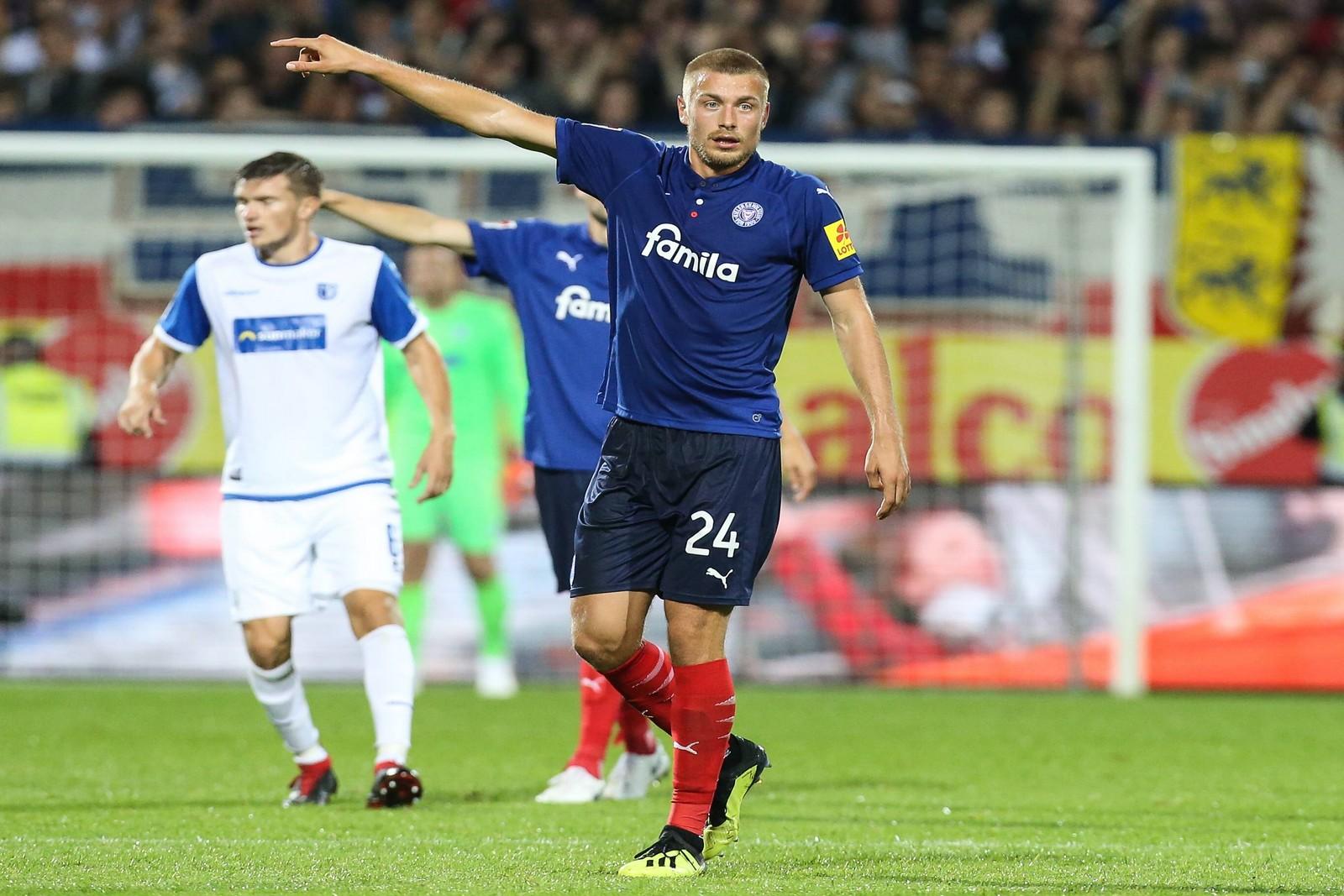 Kiels Hauke Wahl verpasste bisher keine Minute in der 2. Bundesliga.