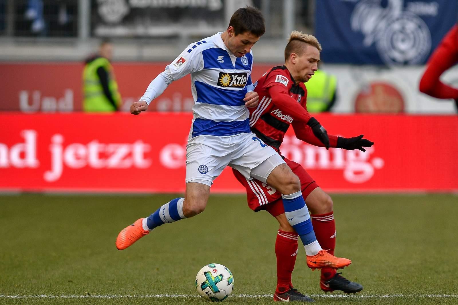 Setzt sich Thomas Pledl gegen Fabian Schnellhardt durch? Jetzt auf Ingolstadt gegen Duisburg wetten.
