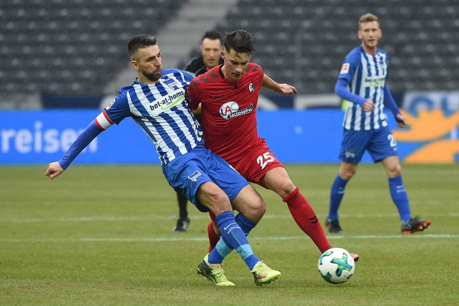 Vedad Ibisevic gegen Robin Koch. Jetzt auf Hertha gegen Freiburg wetten.