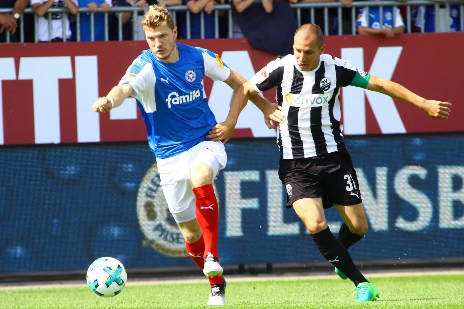 Eilt Alexander Mühling Stefan Kulovits davon? Jetzt auf Kiel gegen Sandhausen wetten.