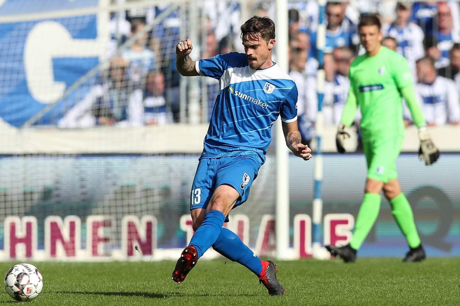 Führt Dennis Erdmann Magdeburg zum ersten Sieg unter Neu-Trainer Oenning? Jetzt auf Fürth gegen Magdeburg wetten.