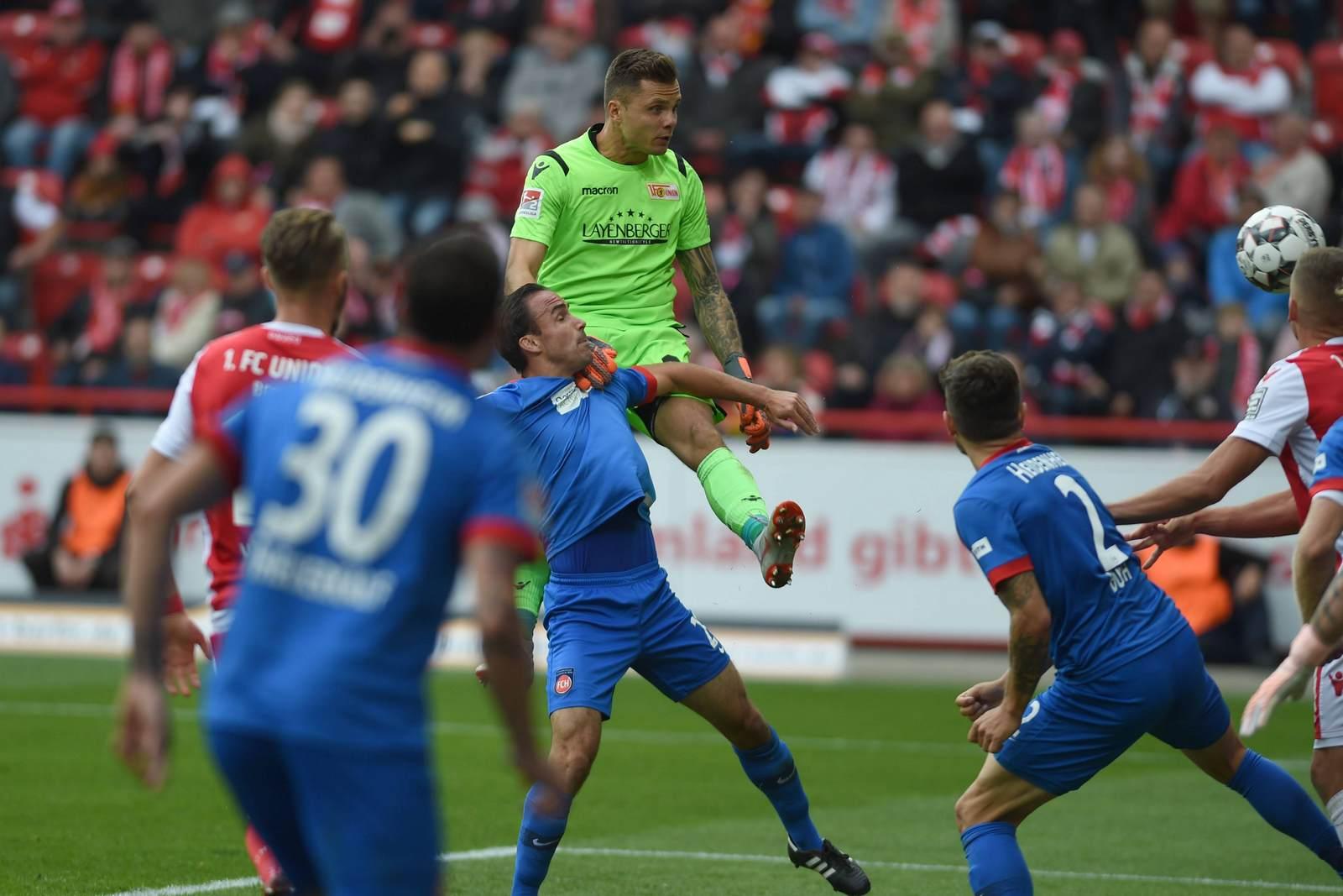 Rafal Gikiewicz gegen den 1. FC Heidenheim