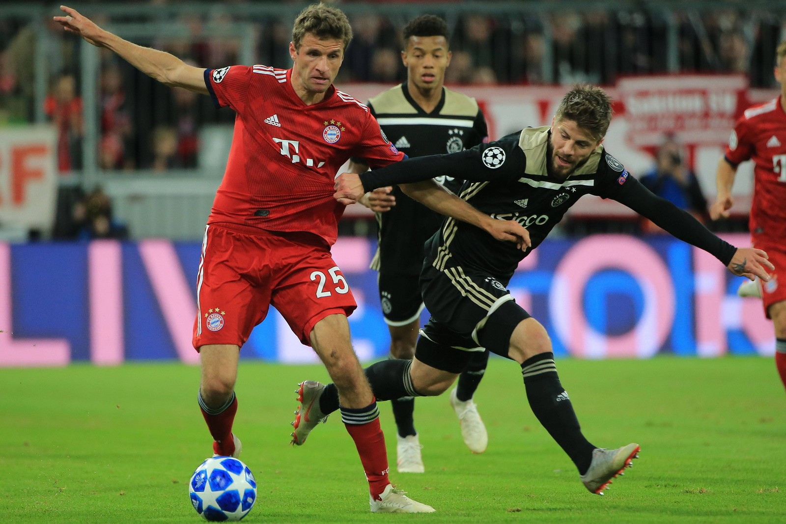 Überzeugt Thomas Müller mit den Bayern diesmal gegen Ajax? Jetzt auf Ajax gegen Bayern wetten!