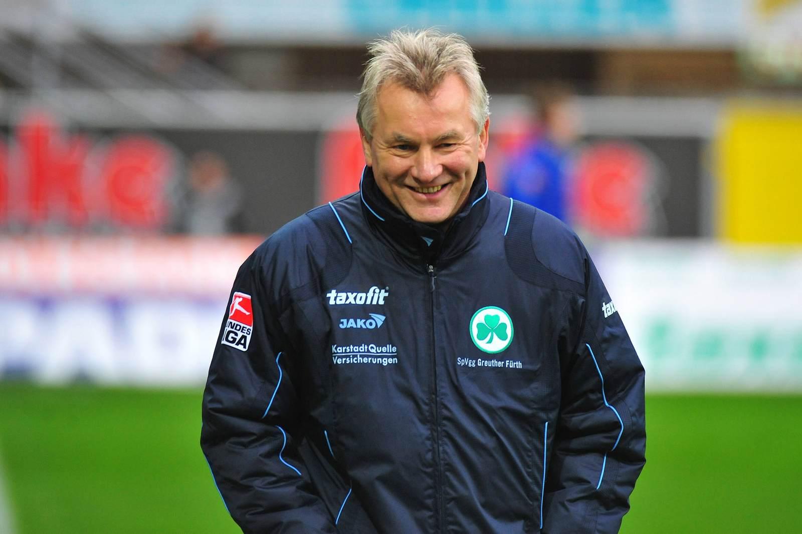 Benno Möhlmann als Trainer der SpVgg Greuther Fürth