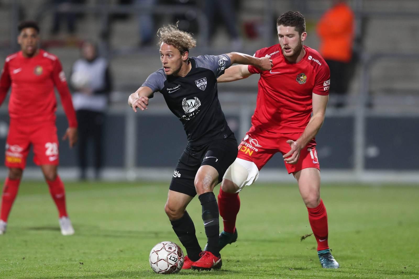 Julian Schauerte am Ball für KAS Eupen