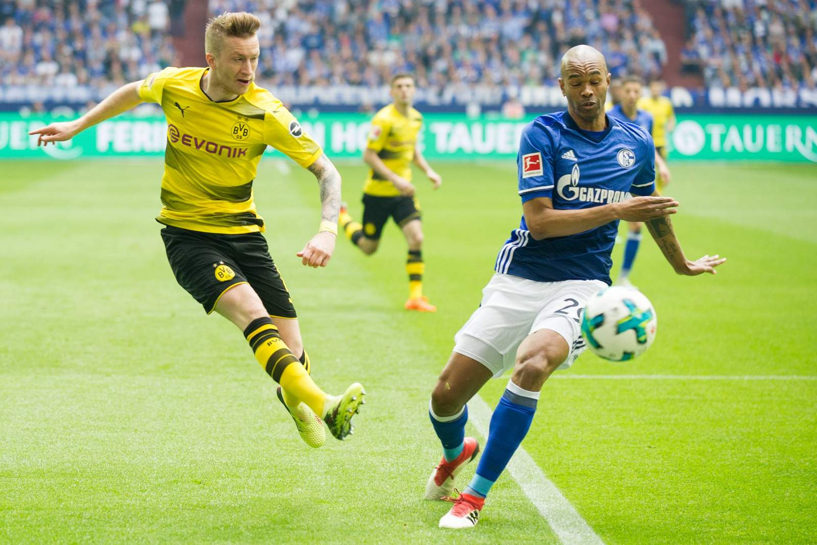 Setzt sich Reus gegen Naldo durch? Jetzt auf Schalke gegen BVB wetten