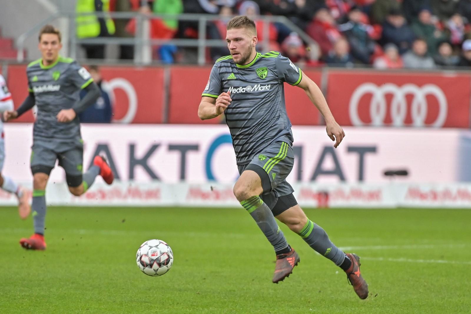 Robert Leipertz im Spiel gegen Jahn Regensburg.