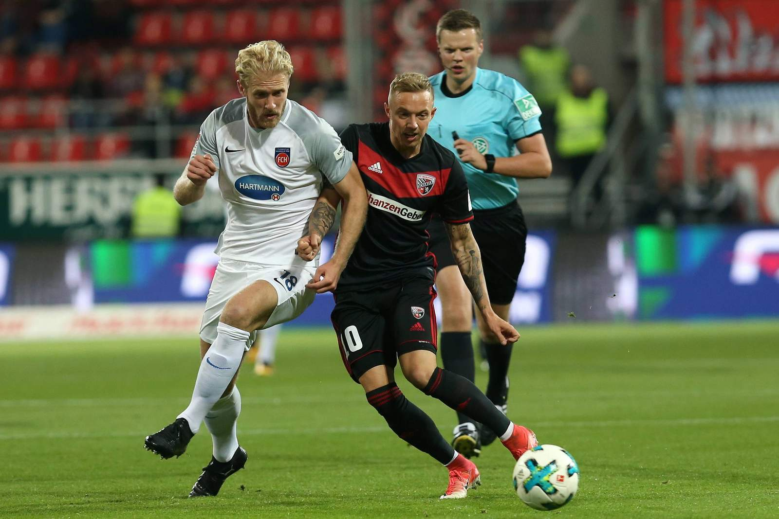 Kann sich Sebastian Griesbeck gegen Sonny Kittel behaupten? Jetzt auf Ingolstadt gegen Heidenheim wetten.