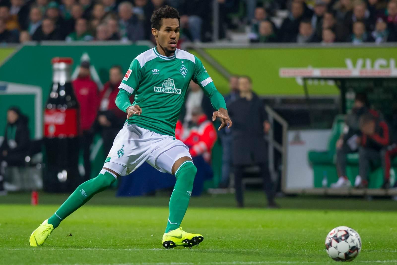 Theodor Gebre Selassie am Ball für Werder Bremen. Jetzt auf die Partie Werder Bremen gegen Fortuna Düsseldorf wetten