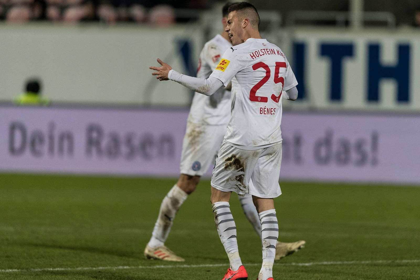 Laszlo Benes beim Spiel Holstein Kiel gegen Heidenheim