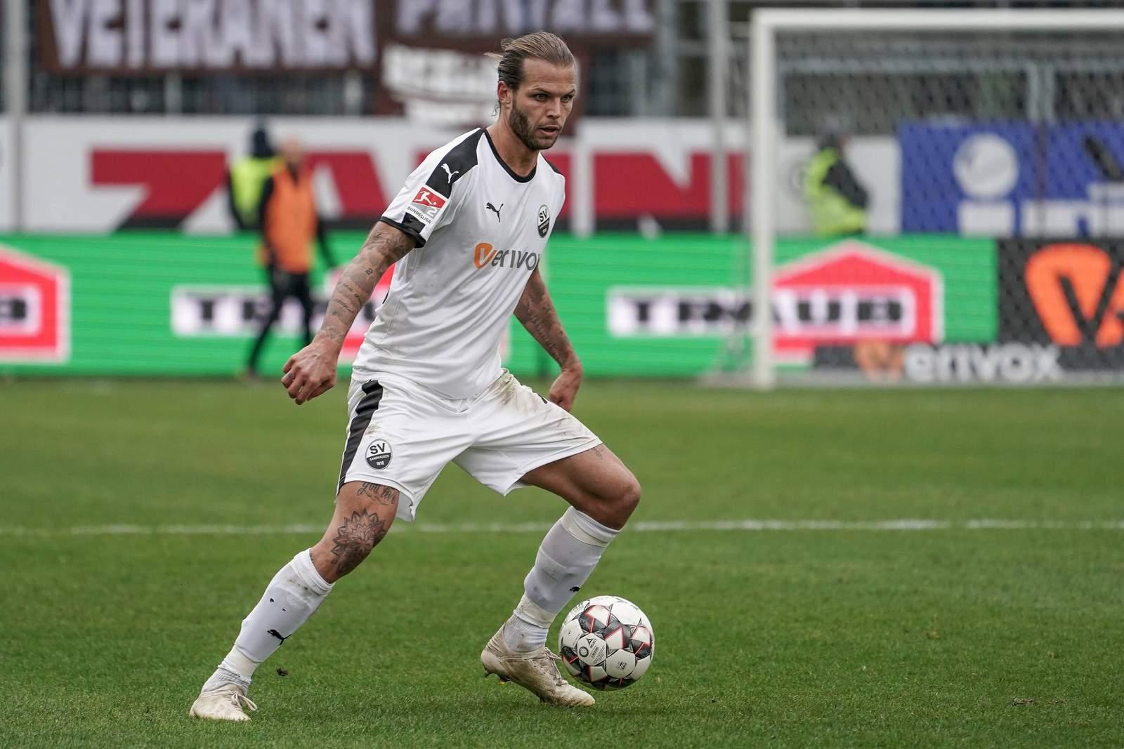 Dennis Diekmeier im Spiel gegen St. Pauli