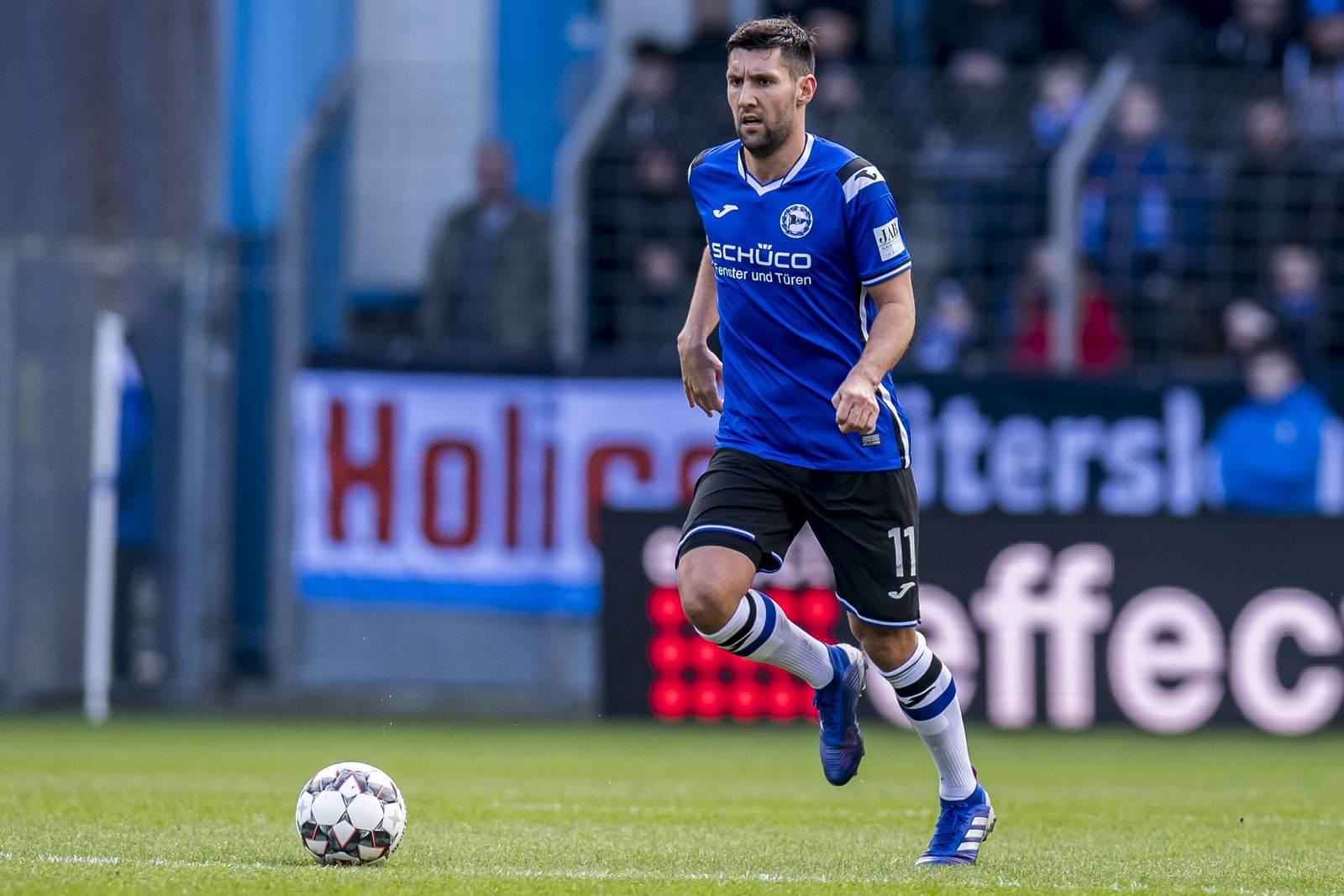 Stephan Salger am Ball für Arminia Bielefeld