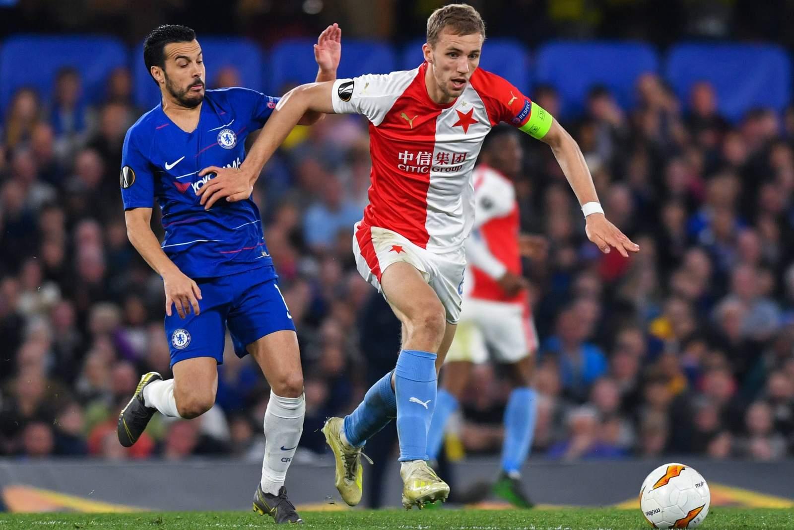 Tomas Soucek von Slavia Prag gegen Pedro vom FC Chelsea