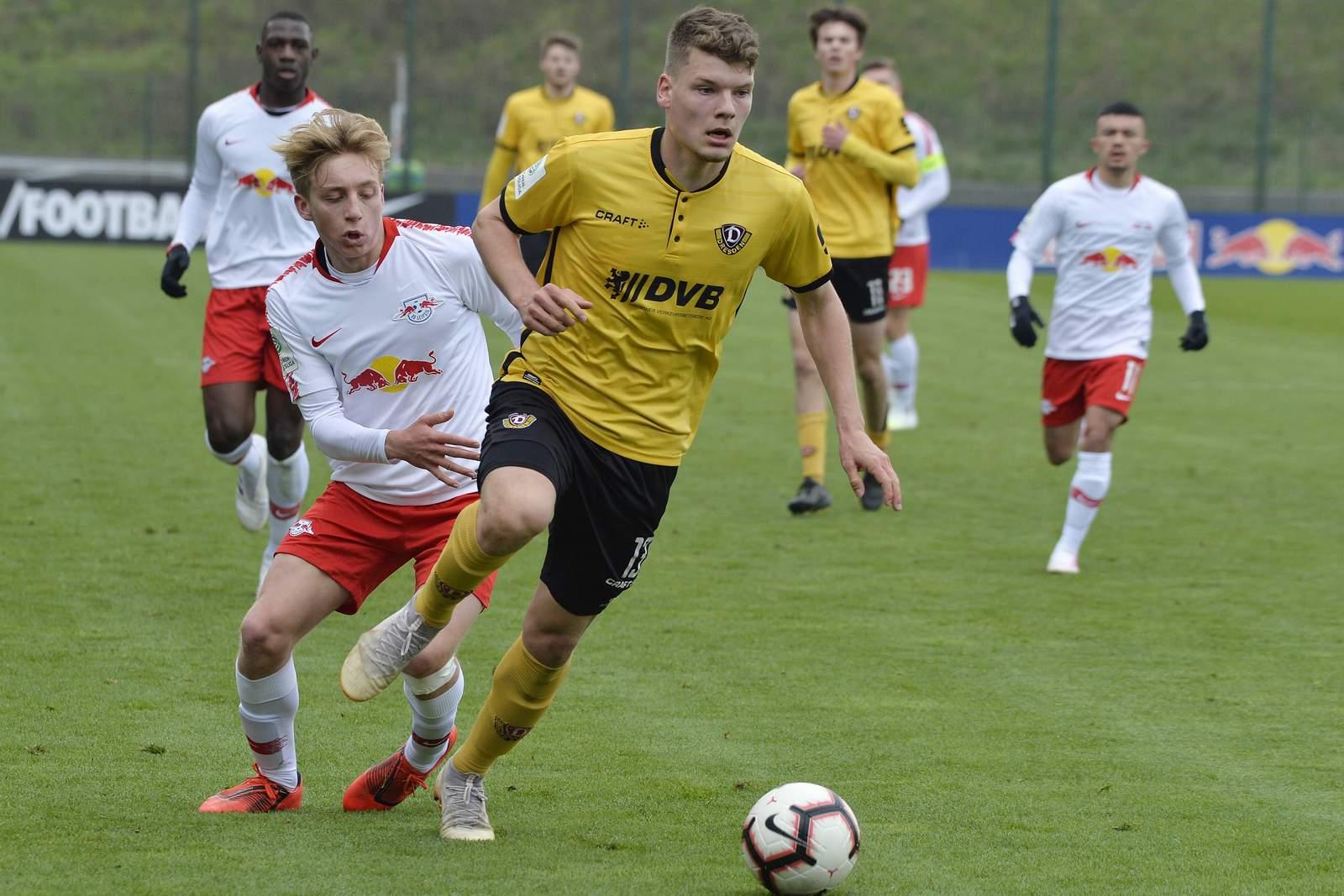 Kevin Ehlers im Einsatz für Dynamos U19.