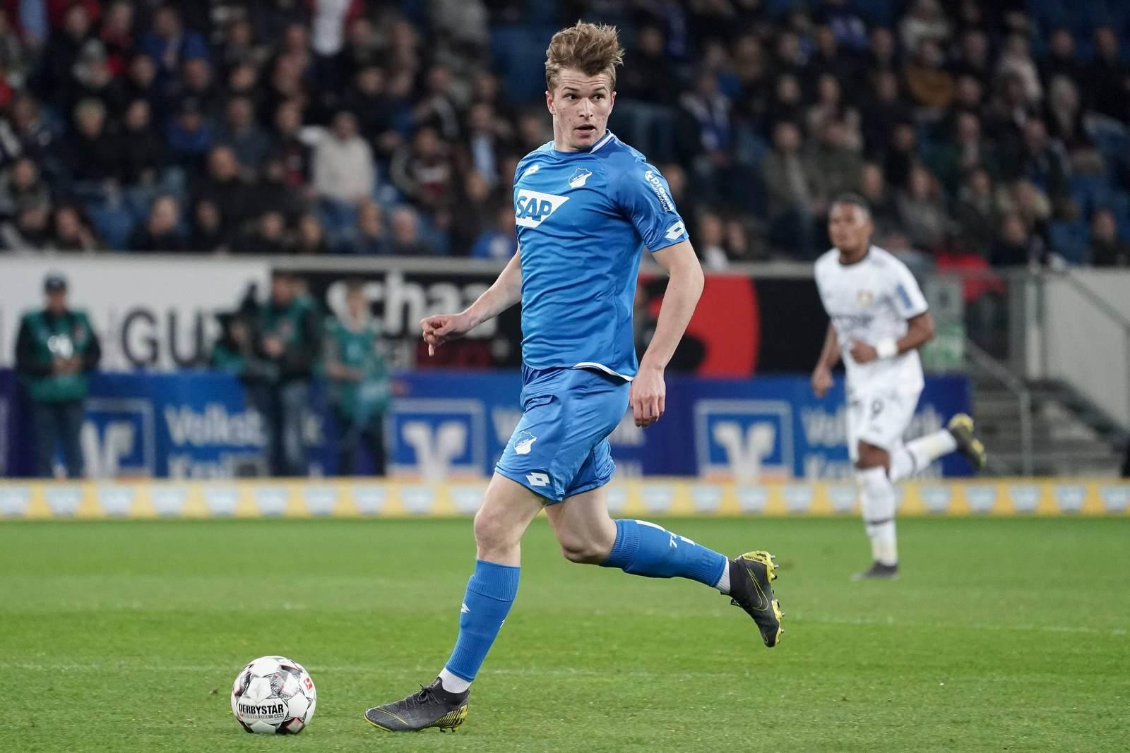 David Otto am Ball für die TSG Hoffenheim